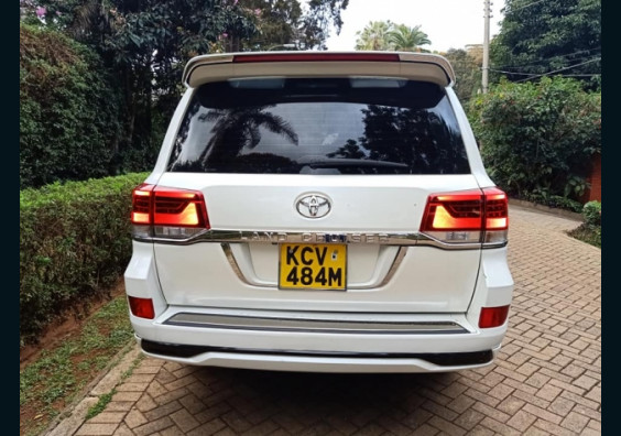 Topcar Kenya|Cars for Sale in Kenya| Buy Cars in Kenya|Car Reviews in Kenya  2012 Toyota Land Cruiser