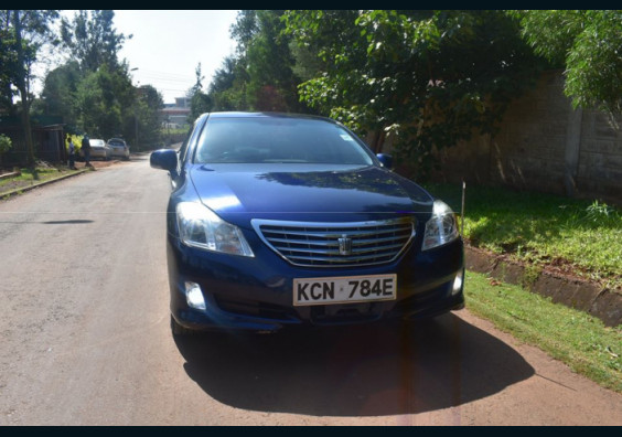 2010 TOYOTA CROWN FOR SALE IN NAIROBI KENYA