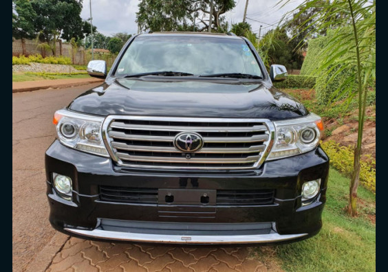 2013 Toyota Land Cruiser ZX V8 for sale in Kenya Nairobi