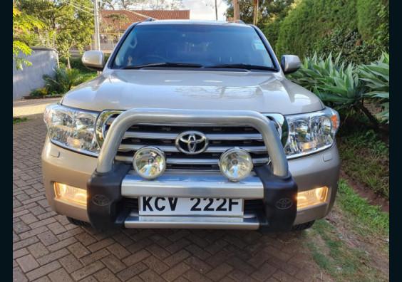 2011 Toyota Land Cruiser VX V8 for sale in Nairobi