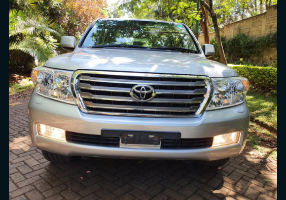 2012 Toyota Land Cruiser VX V8 Diesel for sale in Nairobi Kenya