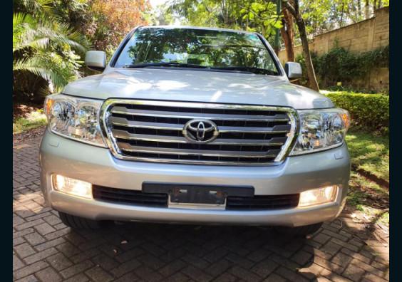 2012 Toyota Land Cruiser VX V8 Diesel for sale in Nairobi Kenya