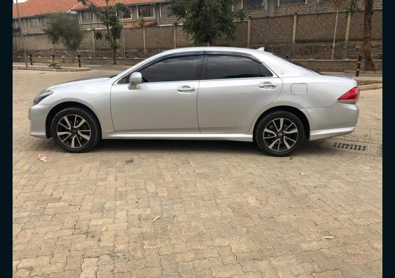Topcar Kenya|Cars for Sale in Kenya| Buy Cars in Kenya|Car Reviews in Kenya  2010 Toyota Crown