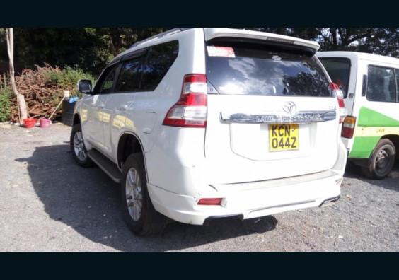 Topcar Kenya|Cars for Sale in Kenya| Buy Cars in Kenya|Car Reviews in Kenya  2012 Toyota Land Cruiser